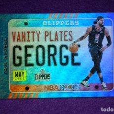 Coleccionismo deportivo: PAUL GEORGE VANITY PLATES HOLO - PANINI NBA HOOPS 2020-21. Lote 297097123