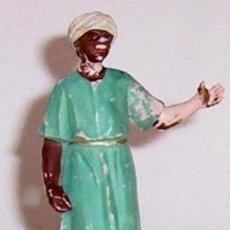 Figuras de Belén: GRAN FIGURA GOMA PECH 10 CM. ALTO - SERIE BELEN PORTEADOR DE DROMEDARIO PARA REY MAGO - AÑOS 60. Lote 27525619