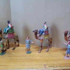Figuras de Belén: REYES MAGOS CON SUS PAJES.AÑOS 80. Lote 23132759