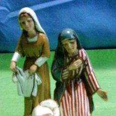 Figuras de Belén: NAVIDAD - BELEN / PESEBRE - PASTORAS ADORANDO - RESINA - 10CM - LANDI / ITALIA - CALIDAD. Lote 29831843
