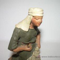 Figuras de Belén: ANTIGUA FIGURA DE TERRACOTA......(CASTELLS ). Lote 30209910
