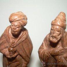 Figuras de Belén: ANTIGUAS FIGURAS DE TERRACOTA. (CASTELLS ?.)....LOTE DE TRES.. Lote 30335886