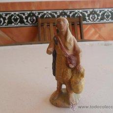 Figuras de Belén: FIGURA DE BELEN ANTIGUAS EN BARRO O TERRACOTA. Lote 32112743