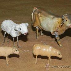 Figuras de Belén: 4 ANIMALES DE BELEN, MUY ANTIGUOS, REALIZADOS EN BARRO, EL BUEY MIDE 4,8 CMS.. Lote 33894193