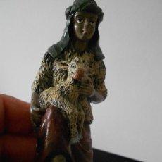 Figuras de Belén: FIGURA ANTIGUA DE BELEN EN RESINA.. Lote 34417035