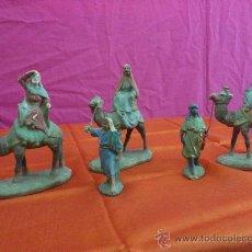 Figuras de Belén: ANTIGUA FIGURA DE BELEN EN BARRO. LOTE 3 CAMELLO CON REYES MAGOS Y 2 PAJES.... Lote 34643812