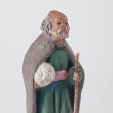 Figuras de Belén: FIGURA DE BELEN O PESEBRE DE TERRACOTA, SEÑOR CON BASTON. Lote 34728805