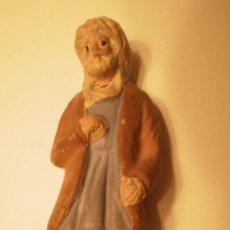 Figuras de Belén: FIGURA BELEN-PESEBRE EN TERRACOTA PASTOR CON HAZ DE LEÑA. ANTIGUO. Lote 34749414
