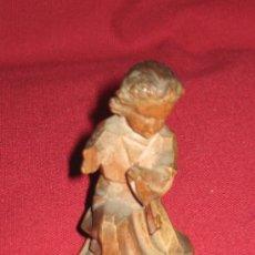 Figuras de Belén: NIÑO JESUS DE MADERA TALLADA - ROSTRO POLICROMADO - BASE PAN DE ORO - 6.7 CM - RESTAURAR. Lote 38318750