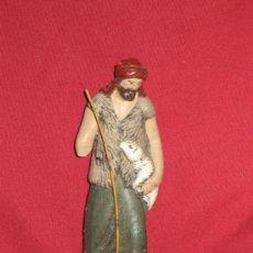 Figuras de Belén: FIGURA DE UN PASTOR DE BARRO PARA EL BELEN - DECORARTE - RESTAURAR - 14 CM. Lote 38589851