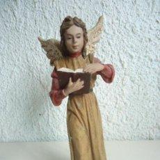 Figuras de Belén: FIGURA DE ANGEL LEYENDO DEL PRADO. ALTURA 16CM, RESINA POLICROMADA. Lote 38809982