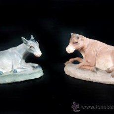 Figuras de Belén: MULA Y BUEY DE PESEBRE O BELEN EN TERRACOTA. Lote 38950960