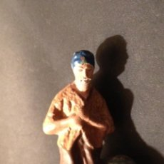Figuras de Belén: PASTOR ADORANDO, FIGURA BELEN TERRACOTA BARRO, AÑOS 50, 5CM ALTO. Lote 40017897