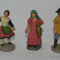Figuras de Belén: 3 FIGURAS DE ORTIGAS DE BARRO DE BELEN, ALGUN DESPERFECTO TAL COMO PUEDE VERSE EN LAS FOTOS. Lote 42521740