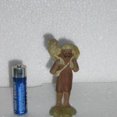 Figuras de Belén: PASTOR CARGADO CON OVEJA *TERRACOTA AÑOS 40 *. Lote 42579637