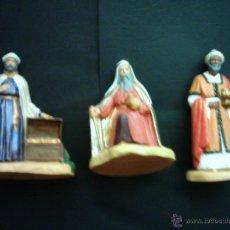 Figuras de Belén: REYES MAGOS DE BARRO POLICROMADO. LE MOULIN A HUILE, PROVENCE (FRANCIA). 14 Y 11 CM. . Lote 43925148