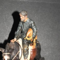 Figuras de Belén: MAGNIFICA FIGURA DE BELEN O PESEBRE EN TERRACOTA, HOMBRE CON GAITA Y MULA. Lote 45498866