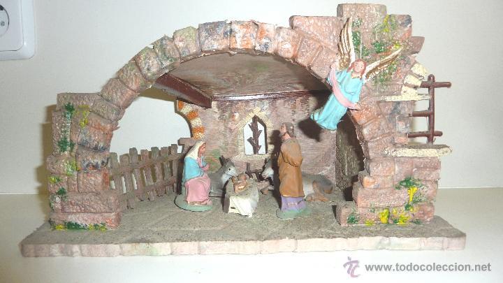 e128de88a5f Antiguo Portal nacimiento Belen pesebre en plastico . figuras diorama .  tipo pech 32 18cm