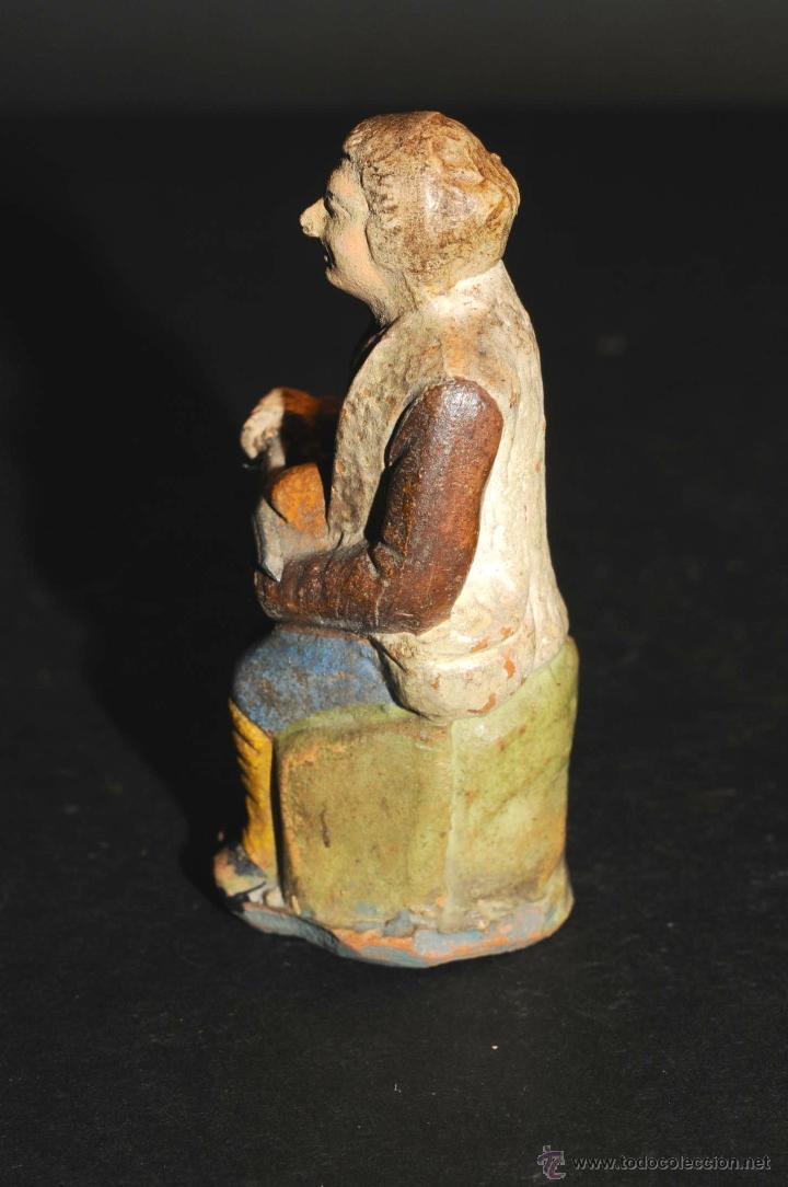 Figuras de Belén: FIGURA DE BELEN O PESEBRE EN TERRACOTA, HOMBRE CORTANDO PAN - Foto 2 - 46561124