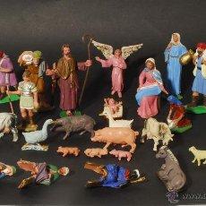 Figuras de Belén: BELÉN CON FIGURAS DE PLÁSTICO. AÑOS 60. . Lote 48448970