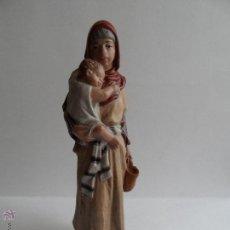 Figuras de Belén: PASTORA CON NIÑO. BELÉN/NACIMIENTO/PESEBRE. J. MAYO.. Lote 50710209