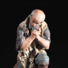 Figuras de Belén: FIGURA DE BELEN O PESEBRE EN TERRACOTA PASTOR ADORANDO. Lote 51733173