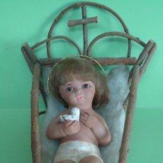 Figuras de Belén: NIÑO JESUS DE CERAMICA EN SU CUNA DE MADERA. AÑOS 60. NUEVO.--M. Lote 52818508