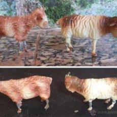 Figuras de Belén: 2 ANTIGUAS CABRAS DE BARRO Y METAL PINTADAS A MANO MIDEN 6/3.5 CM. . Lote 53246331
