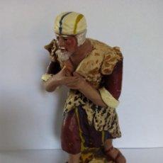 Figuras de Belén: ANTIGUO PASTOR DE TERRACOTA. BELÉN AÑOS 40. 14,5 CENTÍMETROS.. Lote 55111410