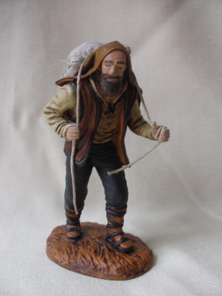 a7184690f1c figura belen pastor con saco de oliver entelada - Comprar Figuras de ...