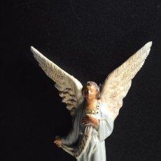 Figuras de Belén: BONITA FIGURA PARA BELEN O PESEBRE EN TERRACOTA . ANGEL ANUNCIADOR. CASTELLS ???. Lote 57101815