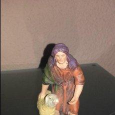 Figuras de Belén: FIGURA BELEN PESEBRE NACIMIENTO BARRO TERRACOTA ANTIGUO. Lote 63616943