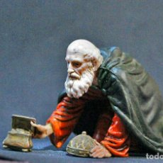 Figuras de Belén: FIGURA REY MAGO MELCHOR ADORANDO AL NIÑO LANDI ITALIA. Lote 127383470