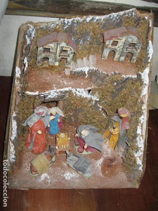 Figuras de Belén: OFERTA DIORAMA GRANDE BELEN COMPOSICION PORTAL CON REYES MAGOS FIGURAS CON ROPA AUTENTICA Y CASAS - Foto 6 - 93578330