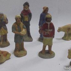 Figuras de Belén: 9 FIGURAS DE BELEN. BARRO. LAS DE LA FOTO. 2 OVEJAS, 1 MULA, 1 GALLINA, 5 PASTORES. VER. Lote 96816871