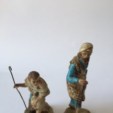 Figuras de Belén: 2 FIGURAS DE BELEN NACIMIENTO PESEBRE EN BARRO O TERRACOTA. Lote 96876514