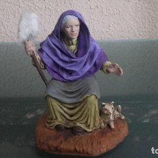 Figuras de Belén: FIGURA BELEN PESEBRE NACIMIENTO MUY ANTIGUOS SELLADA OLIVER. Lote 147222026