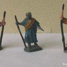 Figuras de Belén: BELÉN. LOTE DE 3 FIGURAS (PASTORES O ALDEANOS). Lote 97451723