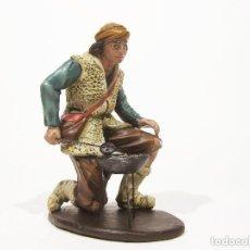 Figuras de Belén: FIGURA DE BARRO PARA NACIMIENTO DE 21 CM. GACHERO. BELENES M. NICOLÁS. MURCIA.. Lote 99342036