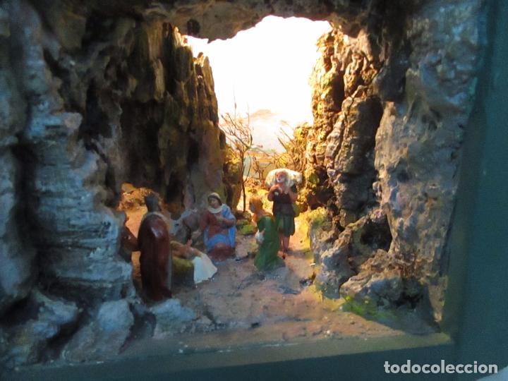 Figuras de Belén: Bonito Pesebre - Belén - Nacimiento - Figuras Terracota Policromada - Iluminado - J. Ferres - Año 48 - Foto 2 - 100733819