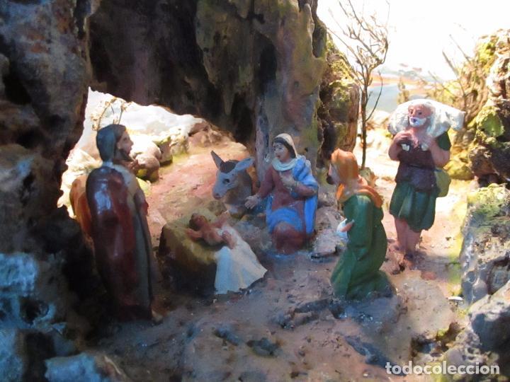 Figuras de Belén: Bonito Pesebre - Belén - Nacimiento - Figuras Terracota Policromada - Iluminado - J. Ferres - Año 48 - Foto 4 - 100733819
