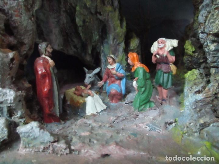 Figuras de Belén: Bonito Pesebre - Belén - Nacimiento - Figuras Terracota Policromada - Iluminado - J. Ferres - Año 48 - Foto 5 - 100733819