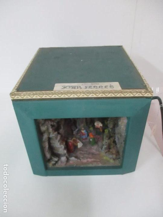 Figuras de Belén: Bonito Pesebre - Belén - Nacimiento - Figuras Terracota Policromada - Iluminado - J. Ferres - Año 48 - Foto 6 - 100733819