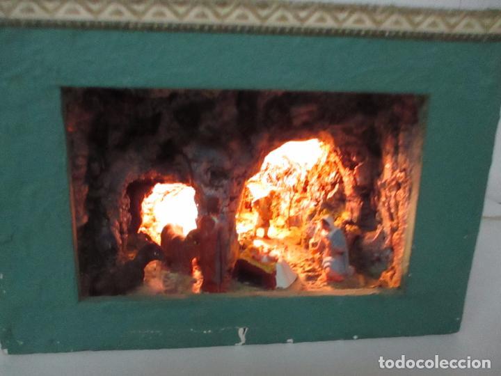 Figuras de Belén: Bonito Pesebre - Belén - Nacimiento - Figuras Terracota Policromada - Iluminado - J. Ferres - Año 48 - Foto 2 - 100734367
