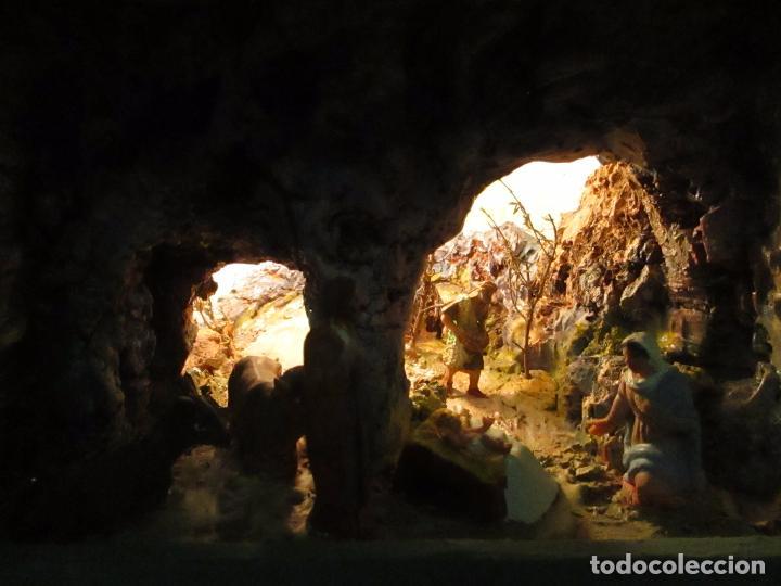 Figuras de Belén: Bonito Pesebre - Belén - Nacimiento - Figuras Terracota Policromada - Iluminado - J. Ferres - Año 48 - Foto 3 - 100734367