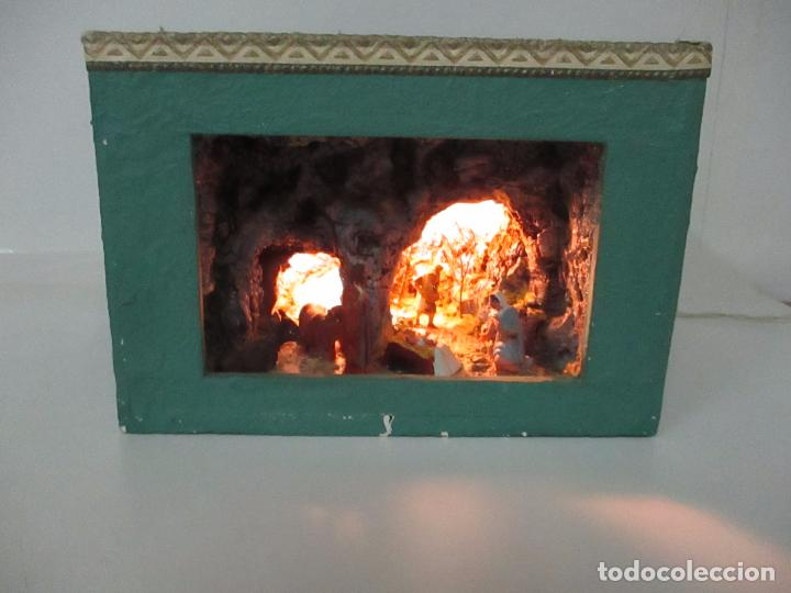 Figuras de Belén: Bonito Pesebre - Belén - Nacimiento - Figuras Terracota Policromada - Iluminado - J. Ferres - Año 48 - Foto 9 - 100734367