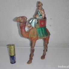 Figuras de Belén: ANTIGUAS FIGURAS DEL PORTAL DE BELEN REY MAGO EN SU CAMELLO. Lote 102366859