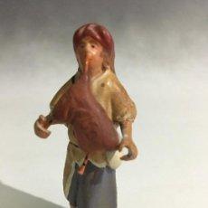 Figuras de Belén: ANTIGUA FIGURA BELEN DE TERRACOTA GAITERO BRAZOS DE PLOMO. Lote 105761103