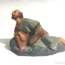 Figuras de Belén: ANTIGUA FIGURA 2 BELEN DE TERRACOTA BRAZOS DE PLOMO (CASTELLS?) 2/4 8 CM. Lote 105763583