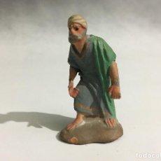 Figuras de Belén: ANTIGUA FIGURA 4 BELEN DE TERRACOTA BRAZOS DE PLOMO (CASTELLS?) 4/4 8 CM. Lote 105763731